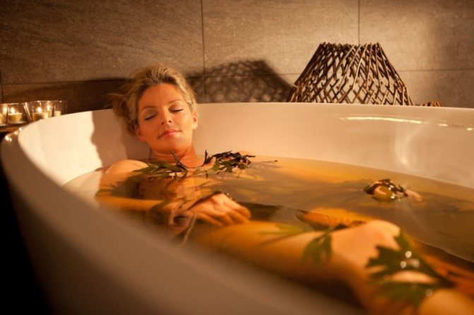 Лікувальні ванни з відваром чистотілу допоможуть швидше позбутися від позбавляючи