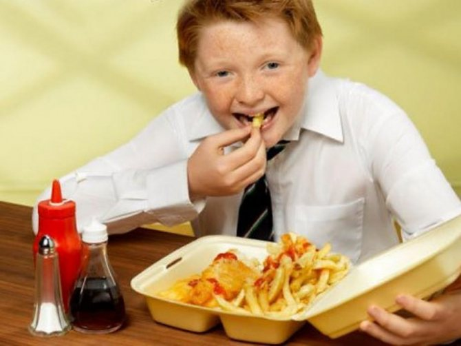 Хлопчик, что вжіває «неправильну» їжу