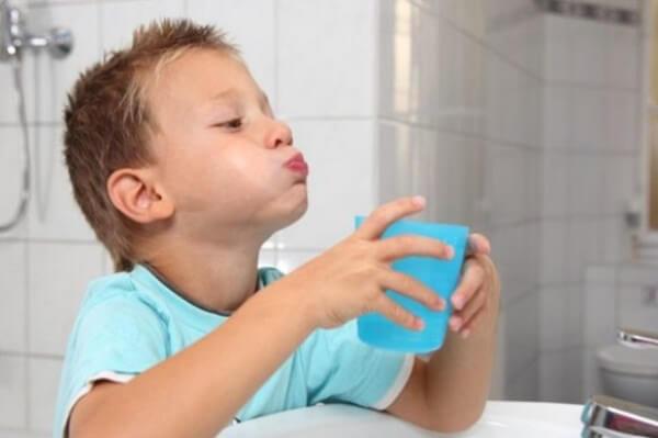 Методи застосування винилина при стоматиті у дітей