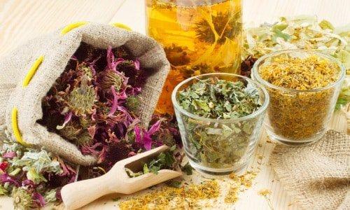 Можна поєднувати препарат з лікарськими травами