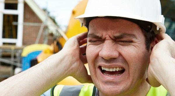 порушення слуху