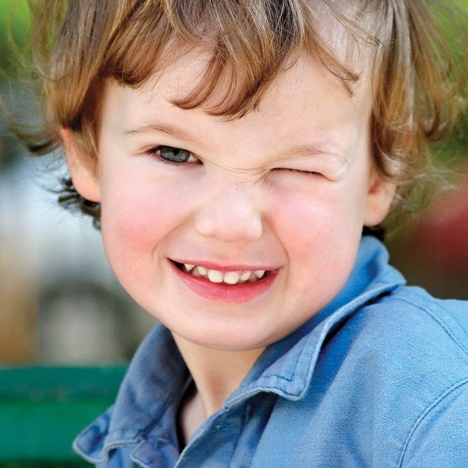 Нервова тик очі у дитини