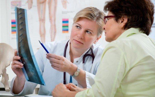 Невролог і ортопед - два лікарі, до яких потрібно звернутися при підозрі на те, що в організмі виникла гемангіома