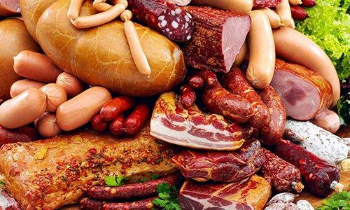 Загострення часто відбувається після вживання солоних, копчених страв