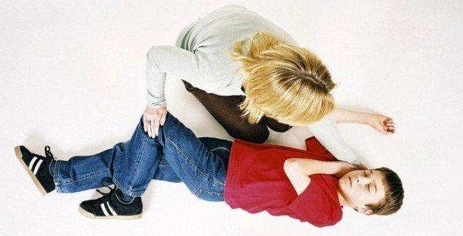 Від чого у дитини судоми ніг