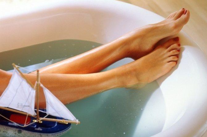 Набряк ніг: причини і лікування набряків