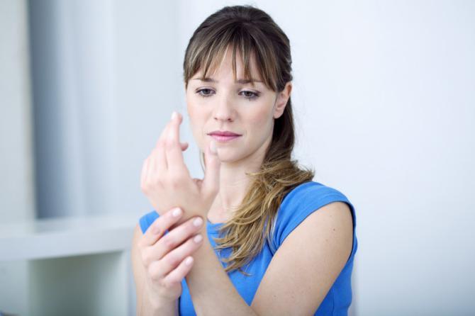 Набряки кистей рук у жінок