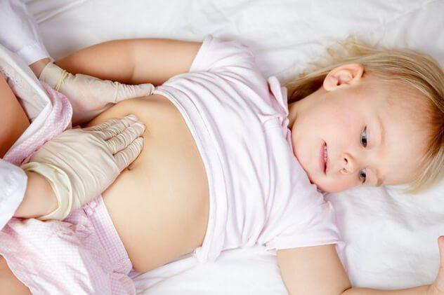Пальпація живота у дитини