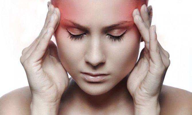 Чому болить правий и лівий висок голови у чоловіків, жінок, при вагітності, у дітей?