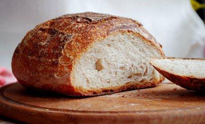 Підсушеній пшеничний хліб