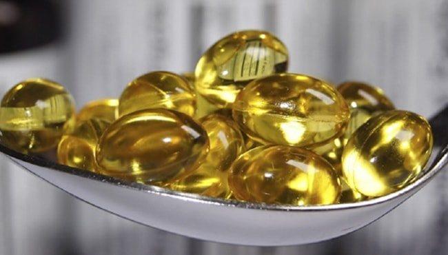 Користь риб'ячий жиру в капсулах для літніх