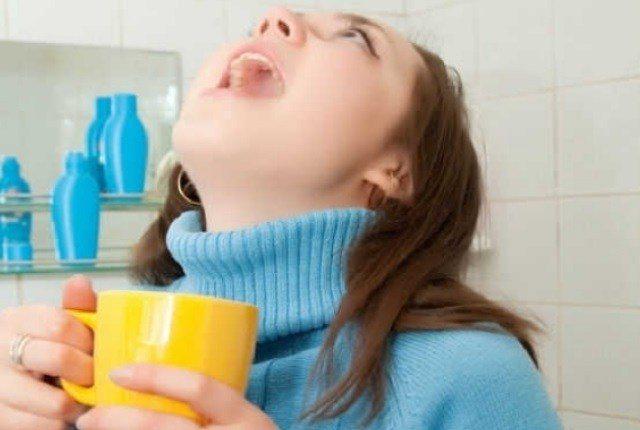 постійне першіння в горлі причини лікування