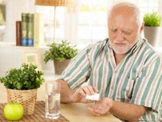 Постійний прийом лікарських препаратів может привести до хронічного гастриту.