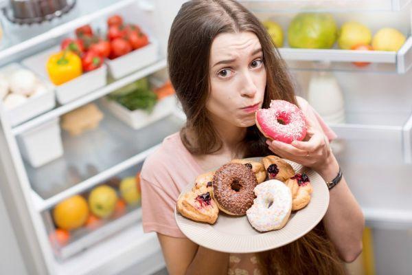 підвищений апетит у дівчини