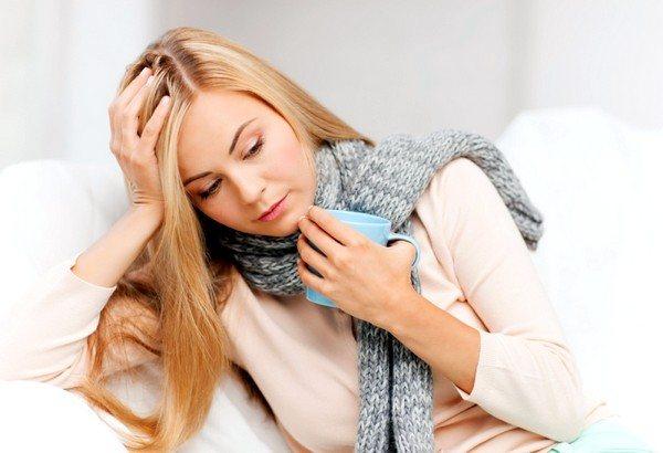 Препарат призначають при сухому кашлі для лікування простудних захворювань верхніх дихальних шляхів вірусної етіології