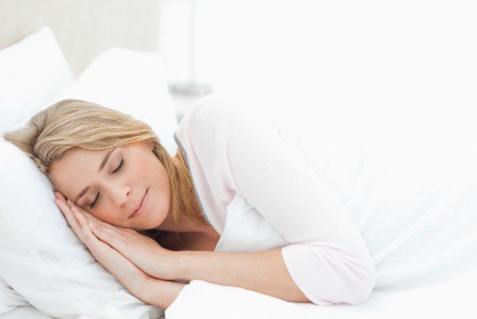 При апное спите на боці, а не на спині