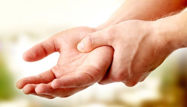 При якому захворюванні німіють руки і ноги