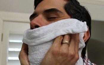 Застосування гарячого рушники після гоління