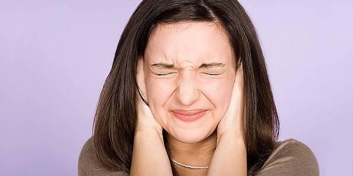 Ознака струсу мозку у дорослих - шум у вухах