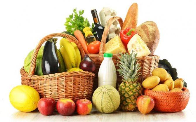 Продукти підвищують і знижують холестерин в крові у жінок