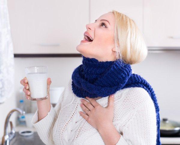 Промити ніс сольовим розчином шприцом з морською сіллю.  Рецепт, співвідношення.  Як полоскати при гаймориті, нежиті, аденоїди