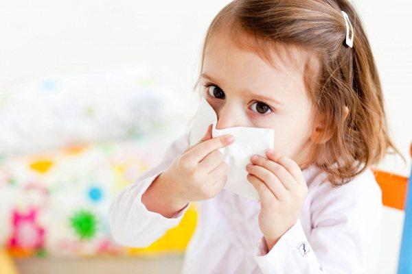 застуджений дитина