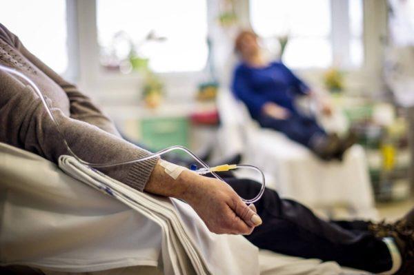 Проведення процедури хіміотерапії