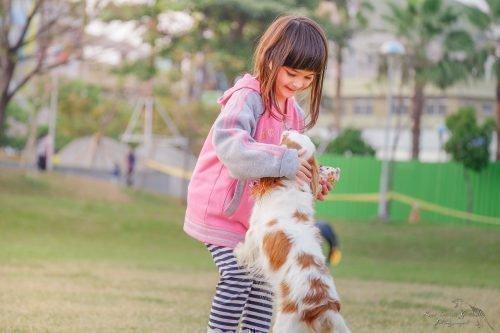 Дитина и собака