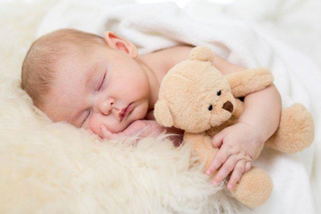 Дитина спить
