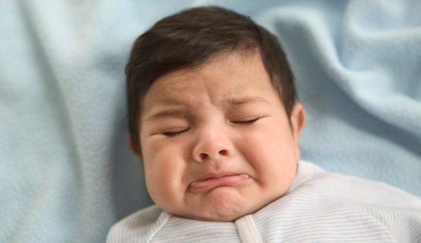 рефлюкс у немовлят симптоми і лікування