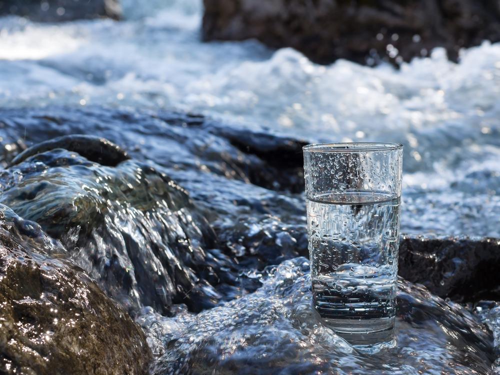 Качественная родниковая вода с большим количеством минералов