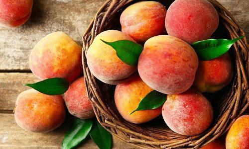 Зростанню тканин щитовидної залози сприяють струмогенних продукти. Тому в раціон потрібно вводити персики
