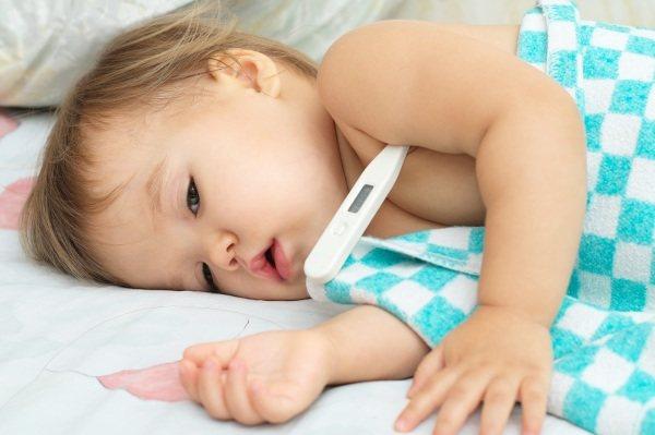 Ротавірусна інфекція у дитини до року, 2-7 років, без температури і проносу. Симптоми і лікування