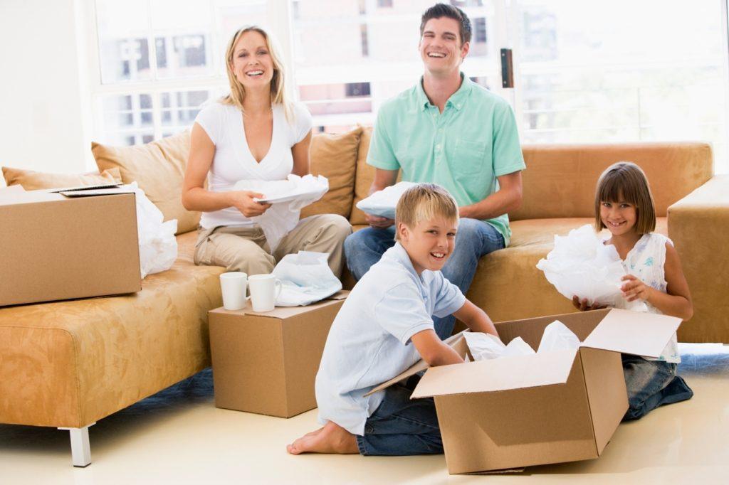 Самостійна розстановка меблів і розбір речей після переїзду