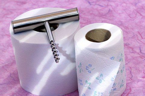 штопор на туалетному папері