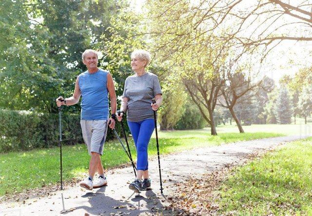Скандинавська ходьба для літніх і пенсіонерів