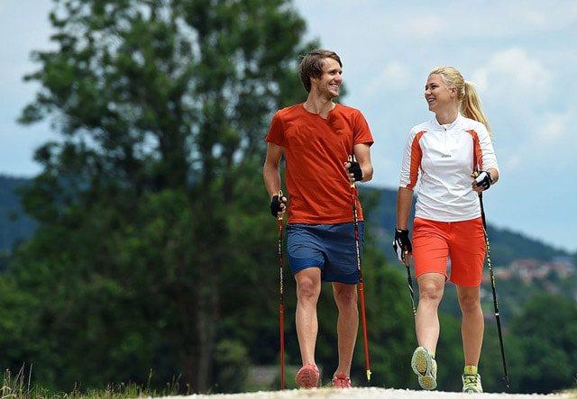 Скандинавська ходьба з палицями: користь, шкода, техніка