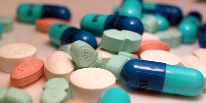Таблетки і капсули
