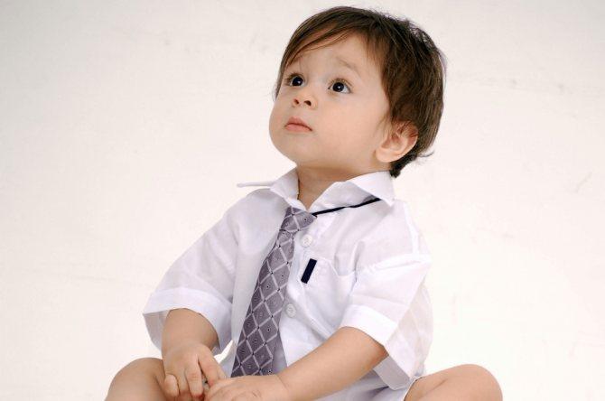 У дітей від року до двох років ангіна протікає так само, як и у немовлят