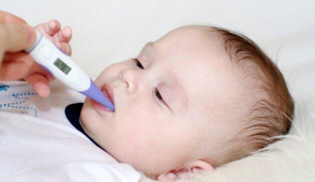 У малюка температура при прорізуванні зубів