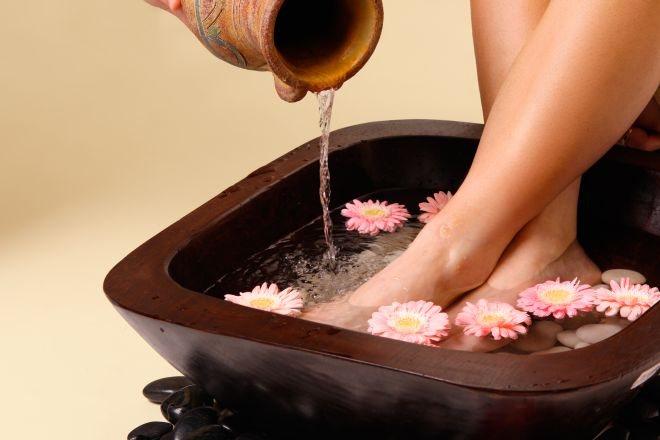 Ванночка для ніг з лікарськими травами