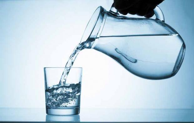 вода в глечику