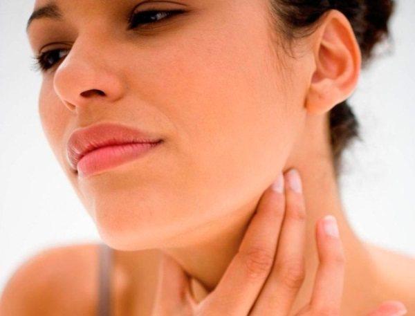 Запалення лімфовузлів у жінок в паху, під пахвою, на шиї, грудині, животі, ноги. Причини і лікування