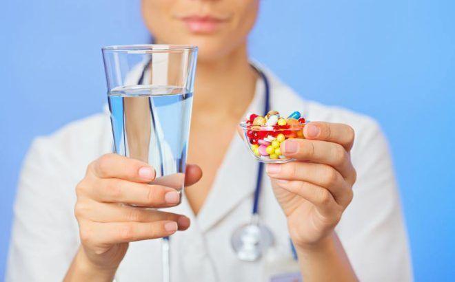 Лікар виписує препарати