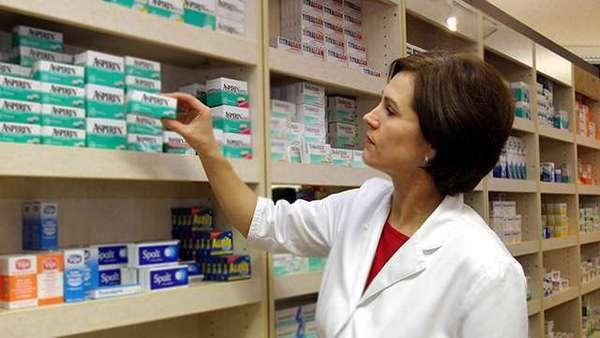 Вибір ліків в аптеці