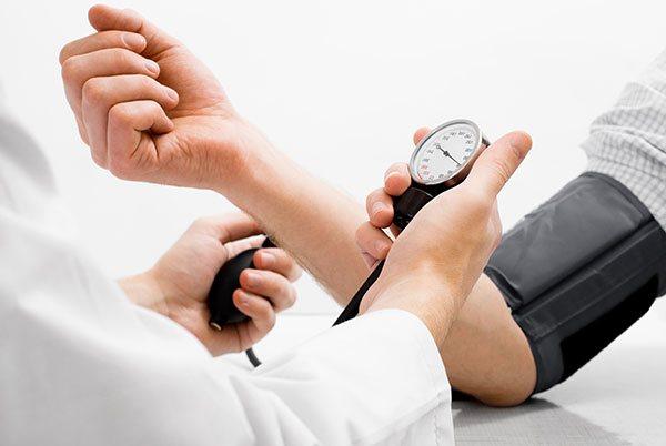 високий артеріальний тиск при хронічному гломерулонефриті
