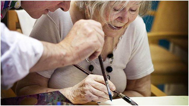 Жінка з хворобою Альцгеймера
