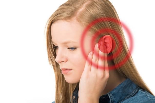 Звук в лівому вусі